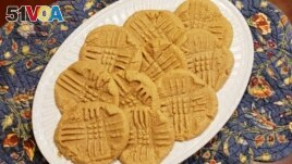 Kim Zachman's peanut butter cookies from her book There's No Ham in Hamburgers.